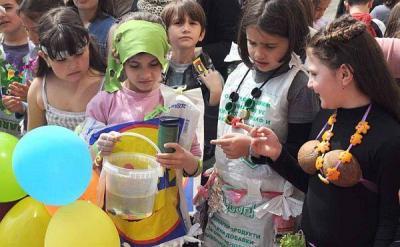 Децата са убедени, че с общи усилия светът, в който живее, може да стане по-добър и по-чист.  Снимка fotonovini.com