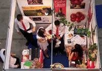 Изискани щандове и делова активност демонстрират участниците в Международния панаир на тренировъчните фирми.