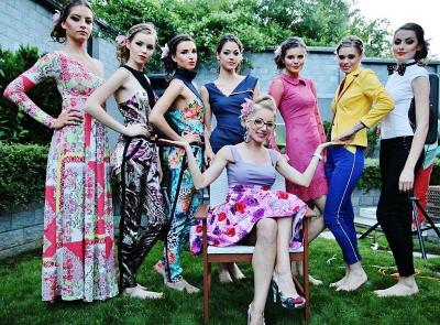 """Колекцията """"UNLOCKED"""" вече е позната на любителите на модата в България. Линиите са изчистени и женствени."""