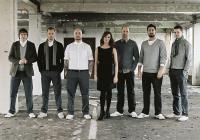 Submotion Orchestra са една от най-успешните британски групи с вълнуващо и интересно звучене.