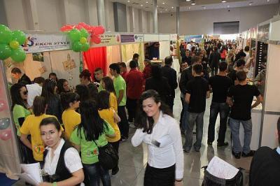 Все повече млади хора твърдят, че срещат трудности при намиране на работа.  Сника: архив