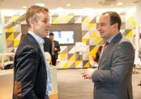 Ксавие Марсенак, президент на TELUS International Europe (вляво), и Стефан Стоянов, заместник-кмет на Пловдив по образование и бизнес развитие. Снимка: TELUS