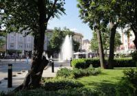 Билетният център е в сърцето на града, недалеч от шадравана на Главната. Снимка: Aspekti.info (архив)