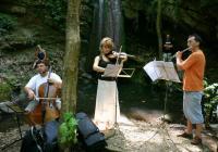Бароков концерт на водопада светилище край Хухла. Снимка: организаторите