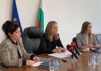 Дани Каназирева (в средата) обясни, че прекратяването на концесионния договор по взаимно съгласие е единственото решение в полза на пловдивчани.  Снимка: ©Областна управа Пловдив
