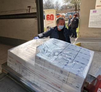 """Дезинфектантите ще бъдат раздадени на всеки от работещите в лечебното заведение.   Снимка: УМБАЛ """"Пловдив"""""""