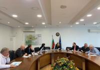 На заседанието на Медицинския щаб д-р Пламен Павлов обяви, че поетапно ще бъде направена реорганизация на работата в Транспортна болница. Снимка: Областна управа