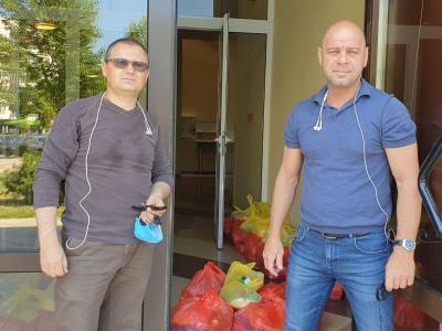 """Районният кмет Костадин Димитров (вдясно) и представителят на АДРА Петър Кузeв.   Снимка: Район """"Тракия"""""""