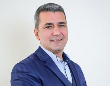 Стефан Николов e част от лекторския състав на образователната организация ERP Academy, където обучава студенти в единствената по рода си в България магистратура по бизнес софтуер и решения от клас ERP.