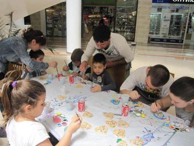 Всяко дете ще има възможност да изрисува керамична фигурка според своя вкус.