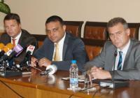 Министър Московски и хора от екипа му разясниха на брифинг подробности около предстоящата цифровизация. Снимка МТИТС