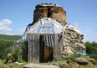 Още през 2010 г. бе подаден сигнал, след който специална комисия констатира окаяното състояние на храма. Снимка Посолство на САЩ в България