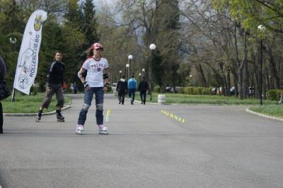 Улиците и алеите в Бургас са идеално място за каране на ролери. Снимка rollerclub.bg