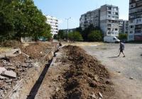 В момента се прави канализацията за дъждовни води и веднага след това започва изграждането на новата улица. Снимка Община Бургас