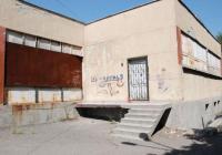 """Сградата на СОУ """"Константин Петканов"""", която в момента изглежда така, също ще бъде реновирана. Снимка Община Бургас"""
