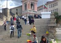 """Пловдивският храм """"Света Богородица"""" се изпълни с хора за празника."""