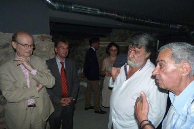 Френската делегация остана силно впечатлена от уникалната базилика.  Снимка Министерство на културата.