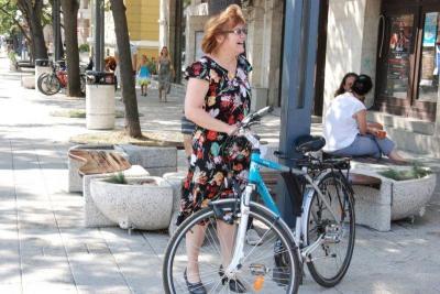 Все повече бургазлии от всички възрасти се качват на велосипеди.  Снимка Община Бургас