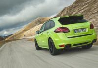 Луксозното возило ускорява до 100 км/ч за 5.7 секунди.