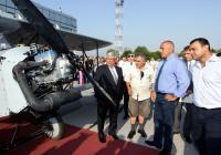 На церемонията присъстваха още министърът на отбраната Аню Ангелов, представители на гражданската и военната авиация и други официални лица. Снимка МТИТС