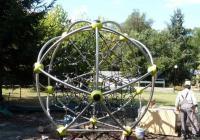 Впоследствие към високата три метра сфера ще се добавят още модули. Снимка Община Бургас
