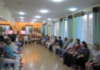 """Домакини и гости на Духовната здравна академия """"Гарабитов"""" излъчиха в Космоса обединена позитивна мисъл."""