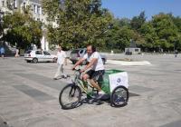 Колелото е изключително удобно за транспортиране на малки товари в града. Снимка Aspekti.info