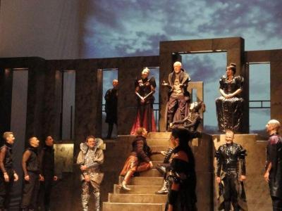 Престижният театрален фестивал за пръв път бе открит с премиера на Драматичен театър - Пловдив.  Снимка Aspekti.info