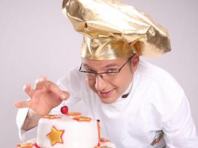 Вицепрезидентът на Българската асоциация на професионалните готвачи (БАПГ) Иван Манчев обясни, че състезанието за път ще събере представители на всички отрасли на кулинарията.  Снимка Нова телевизия