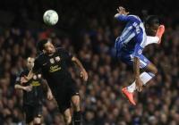Дидие Дрогба, който бе сред най-активните на терена, вкара и единствения гол във вратата на Барса. Снимка novsport.com