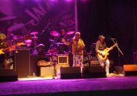 Вечният рокаджия Васко Кръпката изпълни големите си хитове редом с парчета от новия си албум.